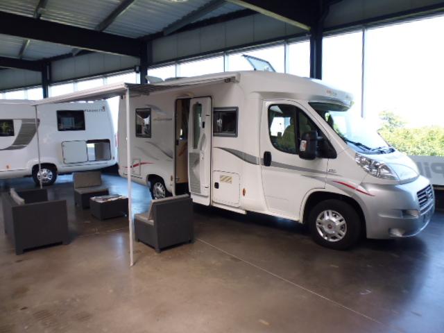 horizon bordeaux camping cars les camping cars d. Black Bedroom Furniture Sets. Home Design Ideas